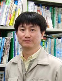教授 山田 一裕